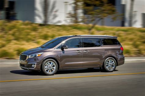 Kia Sedona Pictures 2015 Kia Sedona Photo Gallery Autoblog