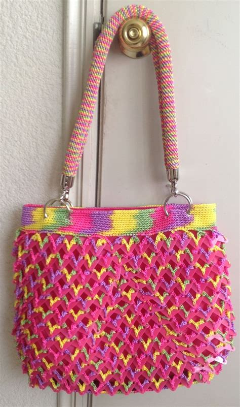 bolsas tejidas con fichas bolsa tejida en crochet con fichas de pl 225 stico y asas en