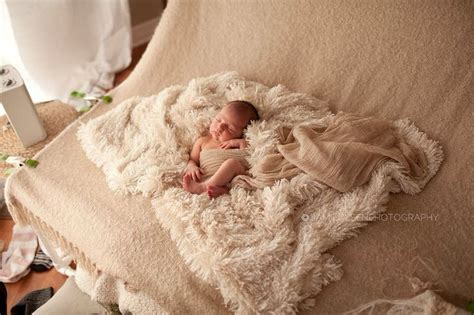 Flokati Rug Newborn Photography by 149 Best Images About Newborn Photography Flokati Posing