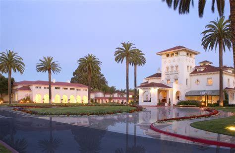 Nice Houses With Pools file dolce hayes mansion at dusk jpg wikimedia commons