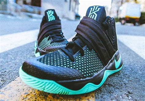 Kyrie 4 Greenglow a detailed look at the nike kyrie 2 quot green glow