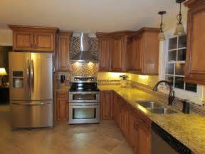 traditional indian kitchen design what color and type of tile was used for backsplash behind stove