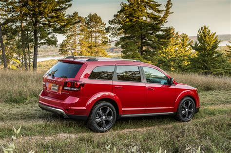 chrysler journey chrysler june 2014 sales get 9 percent bump jeep still on top