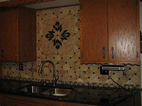 travertine backsplash w custom medallion