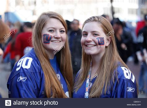 york giants fans york giants fans with makeup before