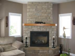 Galerry design ideas above fireplace