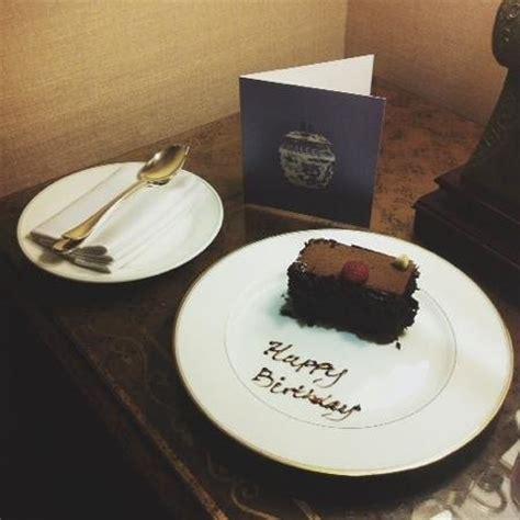 birthday amenities picture  regent singapore   seasons hotel singapore tripadvisor