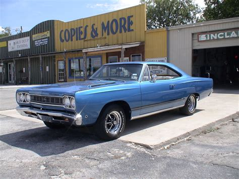 bss plymouth you a 68 roadrunner and a 68 gtx different