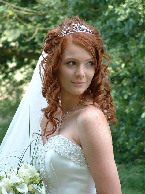 hairstyles for bride video search