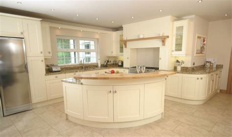 cream shaker kitchen ideas cream kitchens decorating ideas