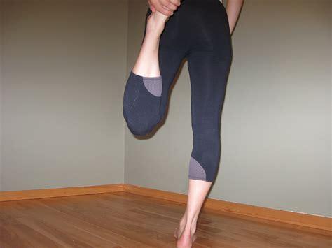 yoga leggings sewing pattern carol yoga running tights sewing projects burdastyle com