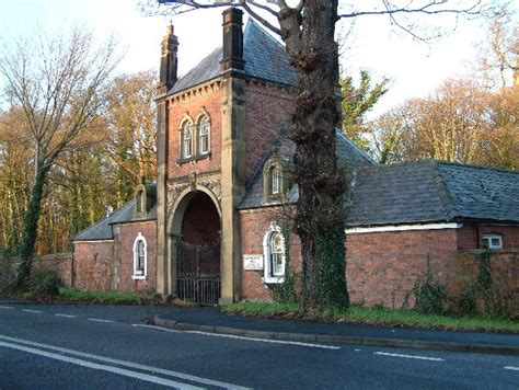 gate house file gate house geograph org uk 95116 jpg