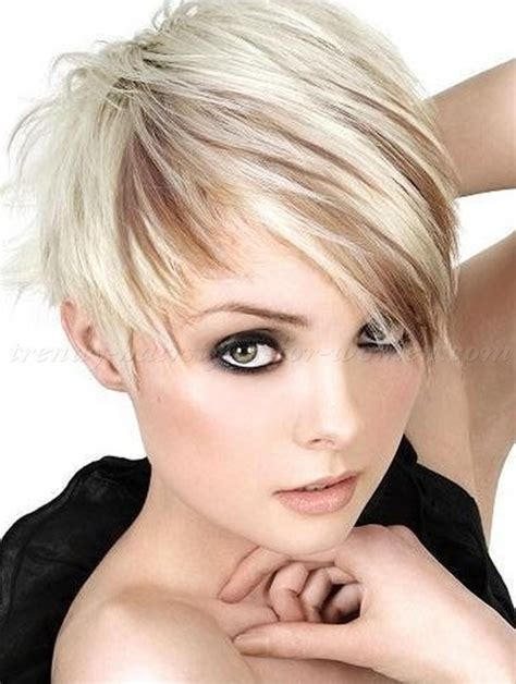 pixie blonde hair with brown low lights pixie haircut blond pixie hairstyle with lightbrown