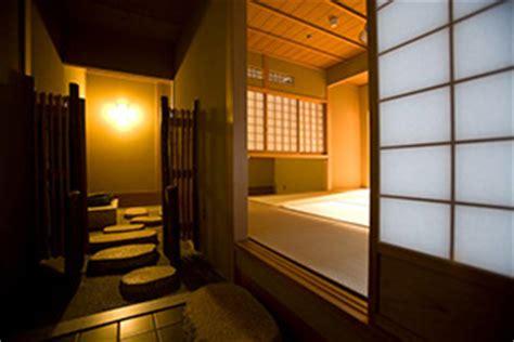 asian changing room guest rooms japanese stlye hotel sansuiro near hakone japan