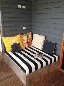 Diy Outdoor Daybed Apprentice Extrovert Diy Outdoor Day Bed Reveal