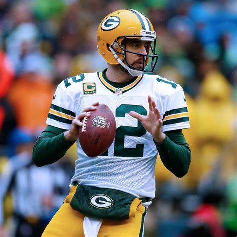 home cooking packers aaron rodgers nearly flawless at
