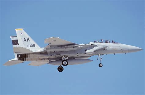 file mcdonnell douglas f 15d eagle usa air an0695827 jpg wikimedia commons
