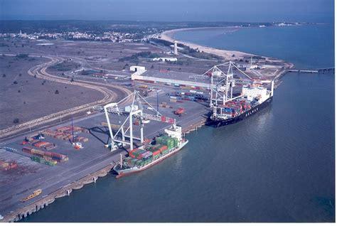 autonome bordeaux file le verdon container ships jpg wikimedia commons