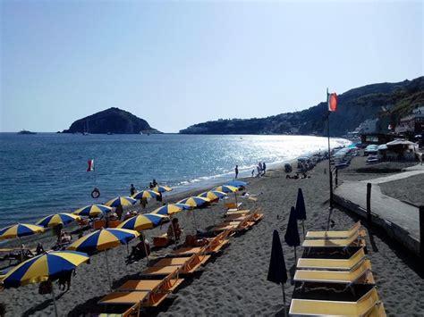 turisti per caso ischia spiaggia dei maronti viaggi vacanze e turismo turisti
