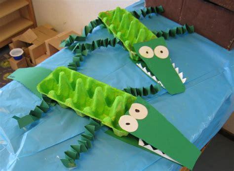 crocodile craft for crocodile craft 1 paint an empty egg green 2 fold