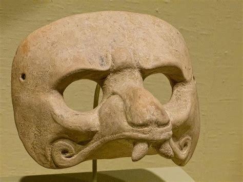 Topeng Smiling mayan jaguar mask jaguar half mask ceramic 600 900