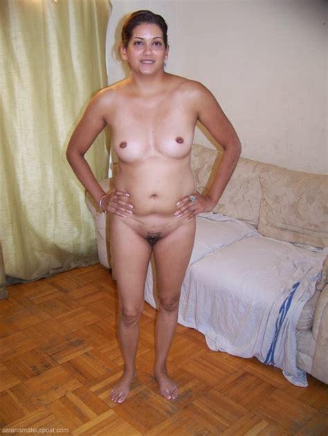 Ali S Asian Logs Divorcee Indian Mom In Daring Nude Posing
