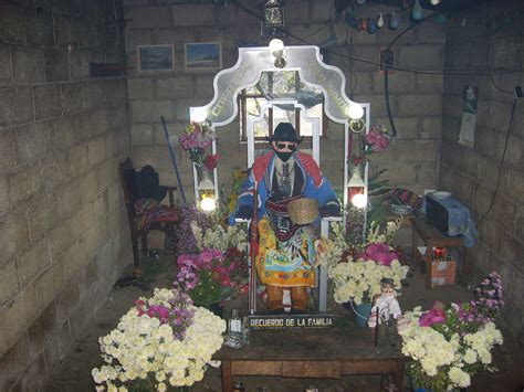 imagenes brujos mayas file zunil sansimon jpg wikipedia