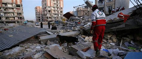 earthquake iran deadly earthquake in iran iraq border kills more than 400