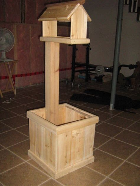 Bird Table With Planter Base by Bird Feeder Planter Plans Diy Free Loft Bed