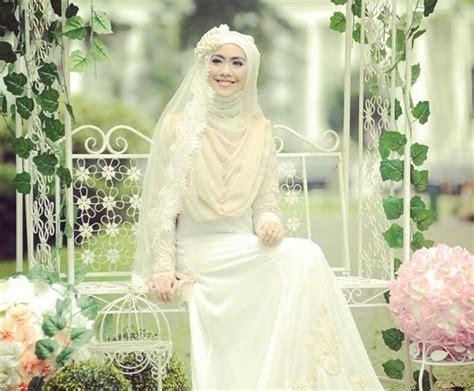 desain gaun terindah contoh baju pengantin muslim modern terbaru 2017