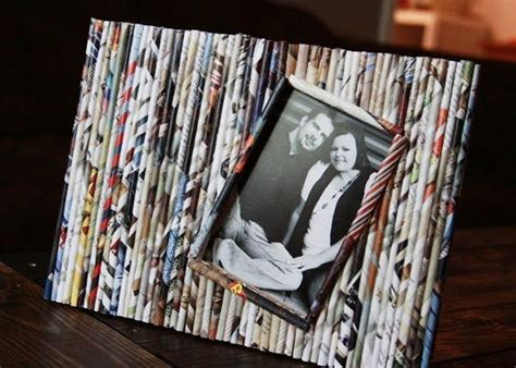 Paper Craft Frames - 15 funky ways to reuse magazines recycled things