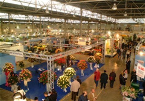mercato fiori napoli giardini