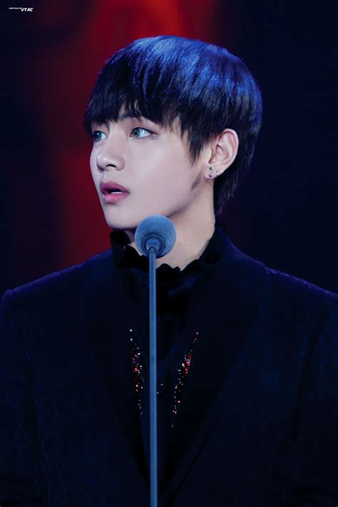 kim taehyung handsome kim taehyung is one of the most handsome things i ve ever