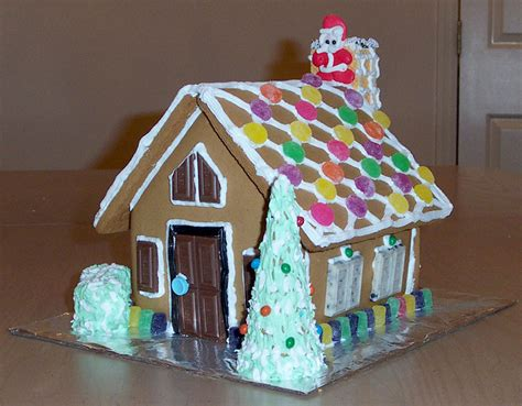 creative gingerbread houses creative splatter gingerbread house 2002