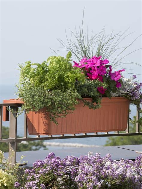 balcony railing planters 1000 ideas about deck railing planters on railing planters planter boxes and planters