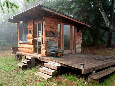 Small Grid Cabin by 20 Exquisitely Charming Rustic Cabins