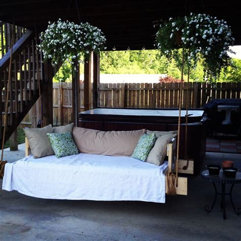 twin bed porch swing the 25 best daybed pillow arrangement ideas on pinterest