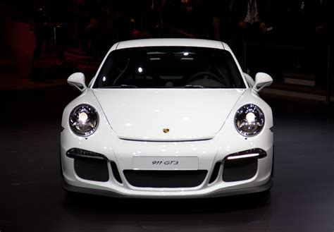 porsche 911 gt3 front porsche 911 gt3 wows the crowds in geneva w video autoblog