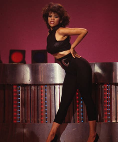 does rosie perez wear a wear soultrain dancer rosie perez got fired for doing what to