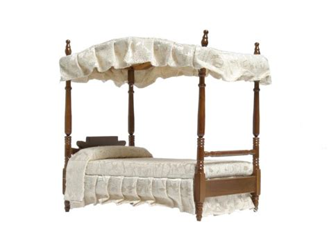 Canopy Sf How To Hang A Canopy On A Poster Bed Home Guides