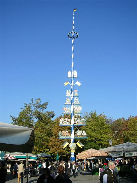 A Maibaum Of Your Own by File Viki Markt Maibaum Jpg Wikimedia Commons