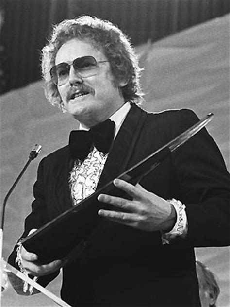 MUSTACHE WEDNESDAY: GORDON LIGHTFOOT - Every Day Should Be