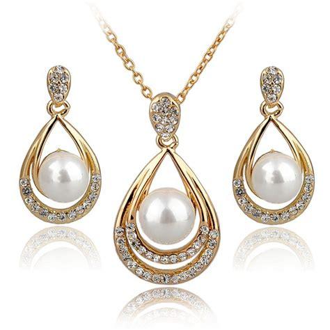 Set Perhiasan Eropah Jumbo 1 Yiamia Pearl Necklace And Earrings Set Fashion Jewelry