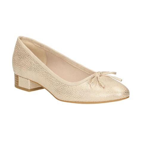 Sepatu Clark Wanita jual clarks eliberry isla lea sepatu wanita chagne