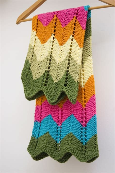 Chevron Baby Blanket Knit Pattern by 8 Chevron Baby Blanket Knitting Patterns The Funky Stitch