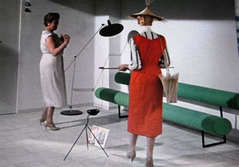 mon oncle    modern    invisible agent