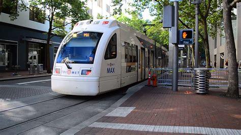 portland trimet max light rail of siemens type 4