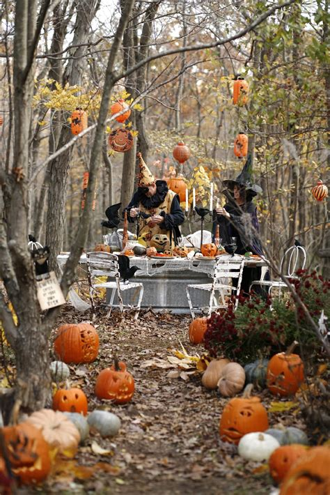 backyard halloween decorations 25 easy halloween decorations ideas magment