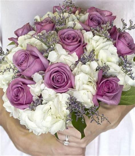 imagenes de lilas blancas ramo novia con rosas lilas handspire
