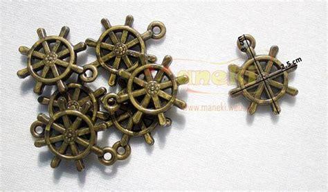 Jam Dinding Kemudi Kapal aplikasi gantung berbentuk kemudi kapal ukuran dapat
